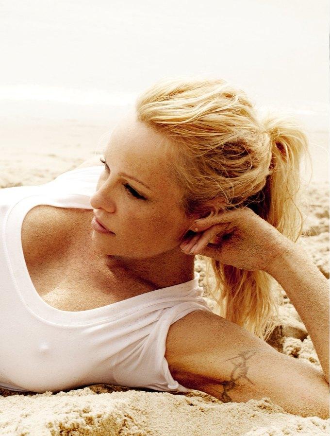 Памела Андерсон снялась у фотографа Марио Тестино. Изображение № 1.