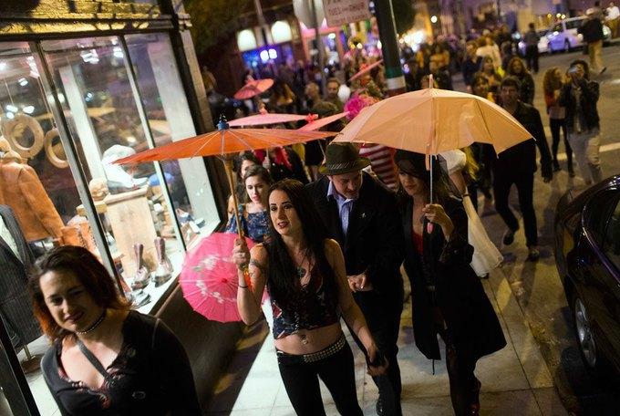 В Сан-Франциско закрылся легендарный стрип-клуб Lusty Lady. Изображение № 11.
