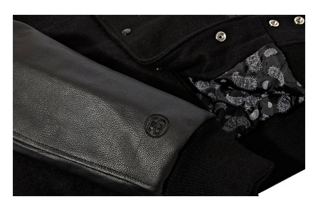Марка Stussy выпустила лукбук новой коллекции одежды своей линейки Holiday. Изображение № 12.