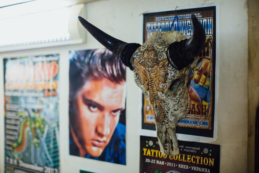 Татуировщик Дмитрий Захаров об одной из самых больших коллекций тату-машинок в Европе. Изображение № 45.