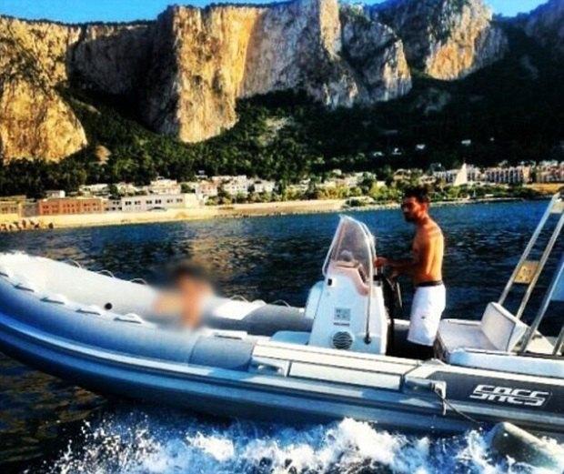 Итальянские мафиози выкладывают фото своей шикарной жизни в Facebook. Изображение № 3.