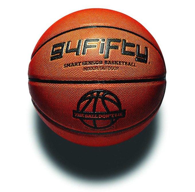 В США создали «умный» баскетбольный мяч. Изображение № 1.