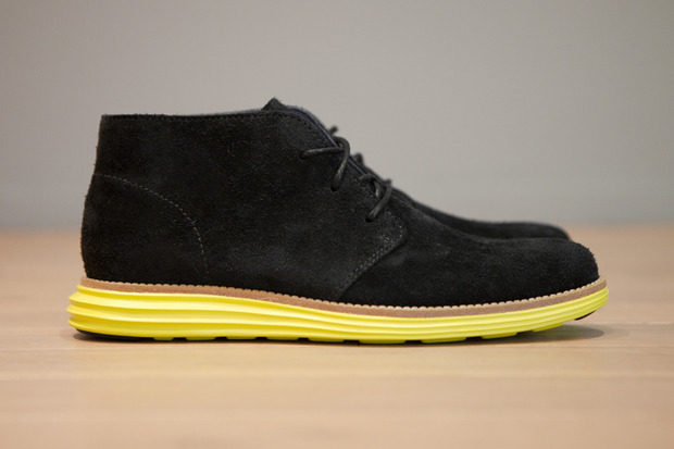 Марка Cole Haan выпустила две новые модели обуви с подошвой кроссовок Nike Lunar. Изображение № 1.