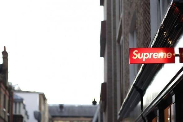 Две новые коллекции обуви Supreme и открытие магазина в Лондоне. Изображение № 1.