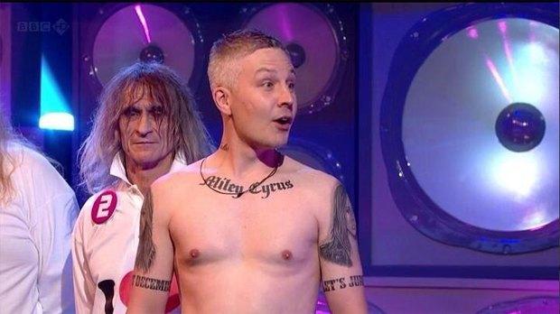 40-летний мужчина сделал 21-ю татуировку с Майли Сайрус. Изображение № 1.