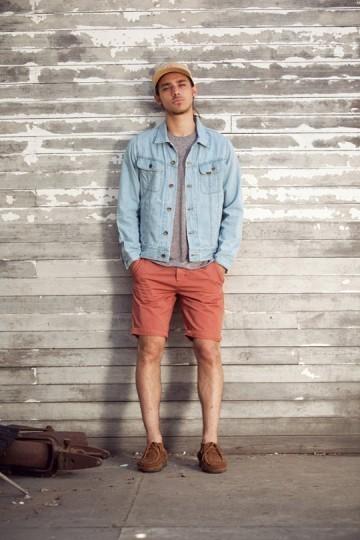 Марка Obey выпустила лукбук весенней коллекции одежды. Изображение № 25.