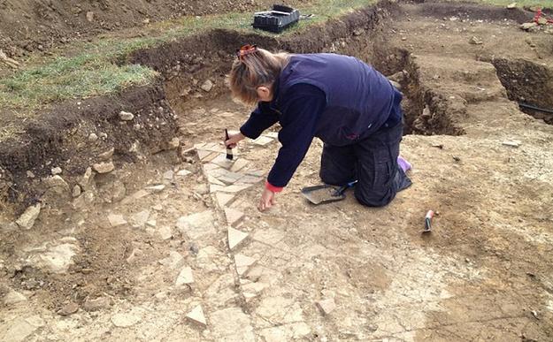 Английские археологи нашли пару, 700 лет держащуюся за руки . Изображение № 4.