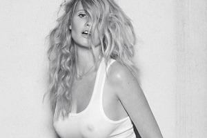 Модель Лара Стоун снялась у фотографа Паоло Роверси. Изображение № 11.