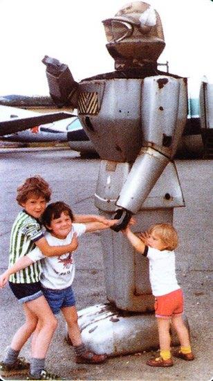 Человекоподобный робот 1957 года уйдет с молотка. Изображение № 4.