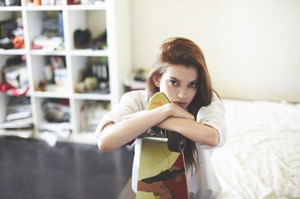 Фотограф Алина Никитина сняла шесть девушек в мужской одежде ранним утром. Изображение № 14.