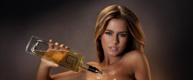 В США алкоголь на дом стали доставлять полуобнажённые модели. Изображение № 1.