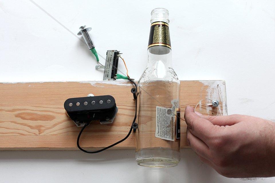Как изготовить примитивную гитару диддли-бо в домашних условиях. Изображение № 7.