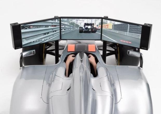 Английская компания выпустила полноразмерный симулятор «Формулы-1». Изображение № 2.