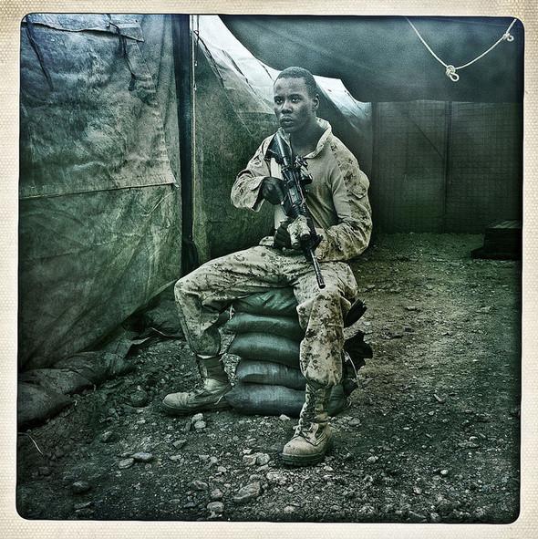 Изображение 8. Войну в Афганистане сняли на iPhone.. Изображение № 1.