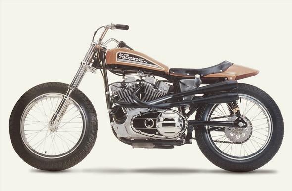 История и особенности мотоциклов для гонок по грязевому овалу —флэт-трекеров. Изображение № 15.