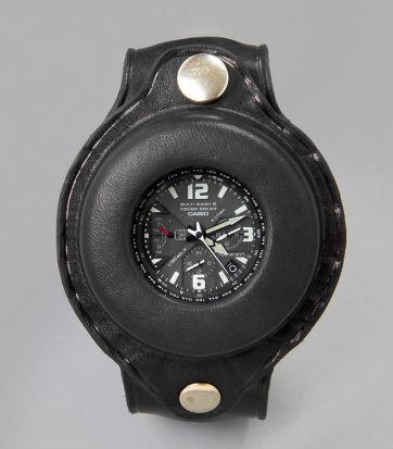 Компания Casio и журнал Men's File выпустили новую модель часов. Изображение № 1.