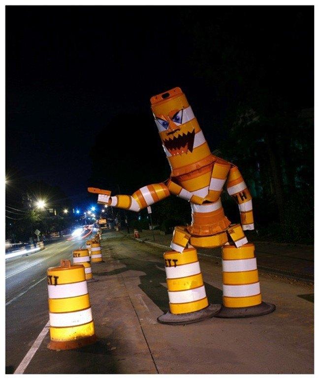 Уличные скульптуры, созданные неизвестными. Изображение № 8.
