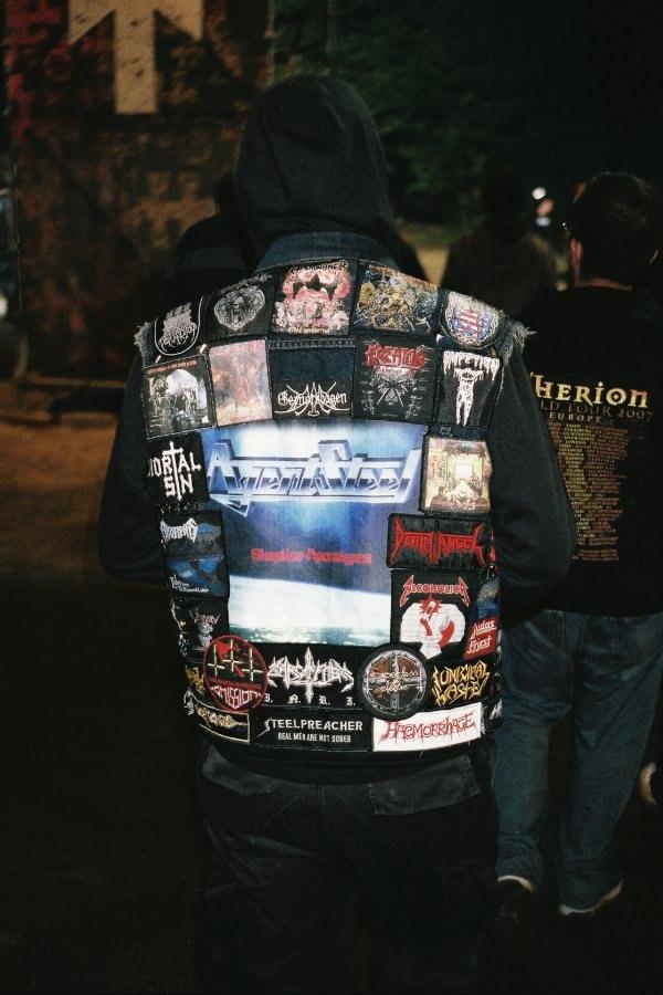 Цельнометаллическая оболочка: Путеводитель по курткам металлистов в формате фоторепортажа. Изображение № 1.