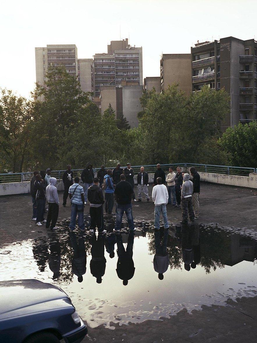 Жизнь обитателей французских окраин в фотопроекте Мохаммеда Борусса. Изображение № 13.