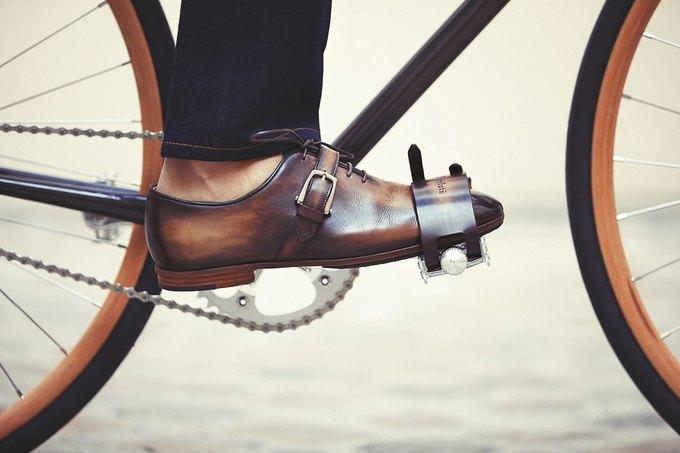 Велофирма Cycles Victoire в сотрудничестве с Berluti представила новый велосипед. Изображение № 3.