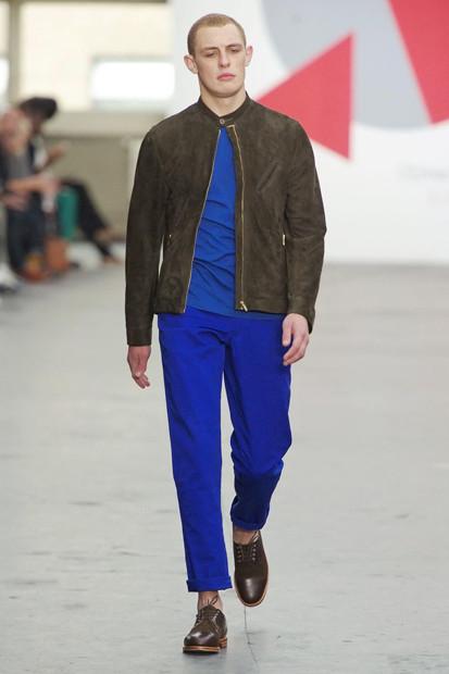 Марка Oliver Spencer выпустила летнюю коллекцию одежды. Изображение № 24.