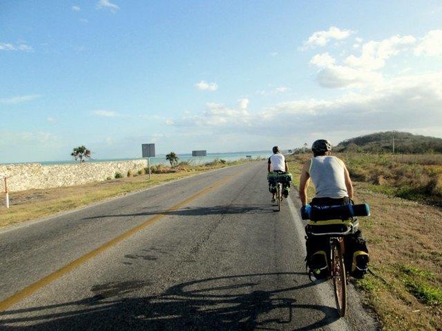 «Вся наша жизнь состоит из спусков и подъёмов»: Как я пересёк Мексику на велосипеде. Изображение № 17.