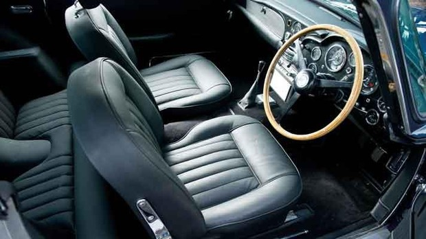 Aston Martin DB5 Пола Маккартни продали на аукционе за полмиллиона долларов . Изображение № 7.