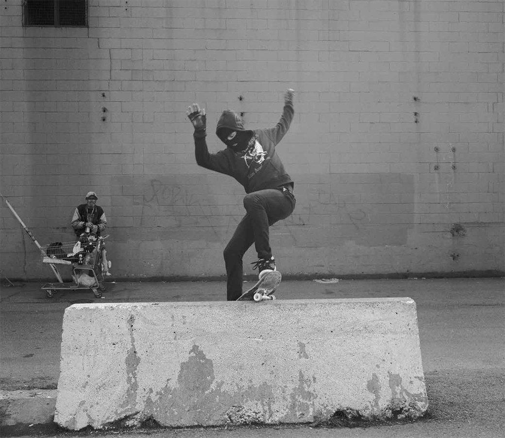BA.KU.: Фотопроект о загадочной субкультуре канадских скейтеров-металлистов. Изображение № 5.
