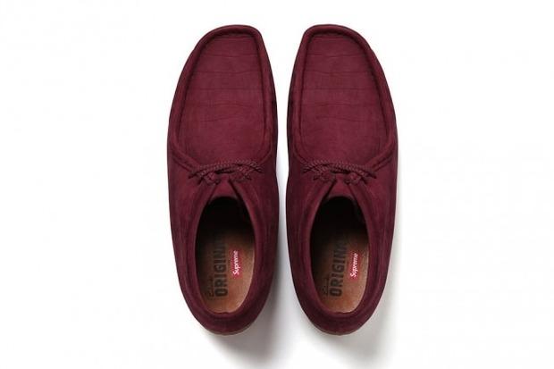 Марки Supreme и Clarks выпустили совместную модель ботинок Wallabee. Изображение № 7.
