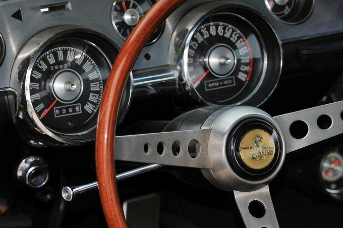 В США на аукционе продали самый дорогой Ford Mustang. Изображение № 21.