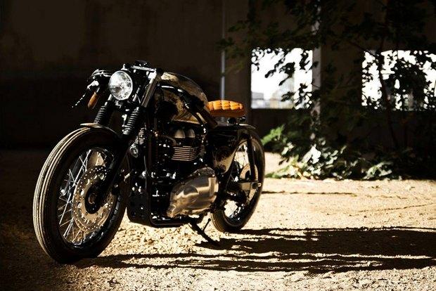 Итальянская мастерская Centro Modo Lodi представила «королевский» кастом модели Triumph Thruxton. Изображение № 11.