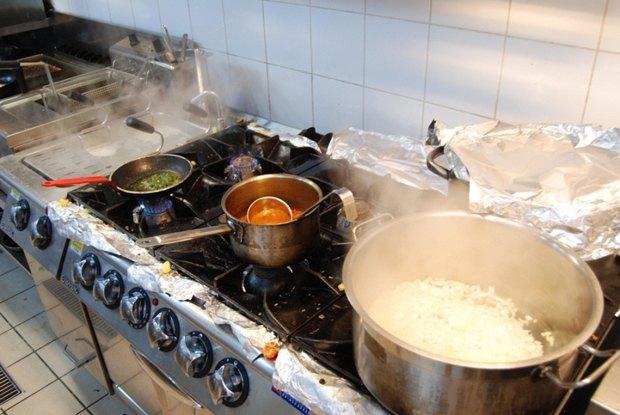 В Нигерии закрыли ресторан, где готовили блюда из человеческого мяса . Изображение № 1.