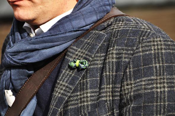 Изображение 3. Шарфы, клатчи, клетчатые пиджаки и подвернутые джинсы.. Изображение № 8.
