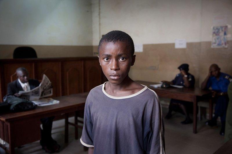 Как подростки Сьерра-Леоне годами живут в тюрьме в ожидании суда по их делу. Изображение № 1.