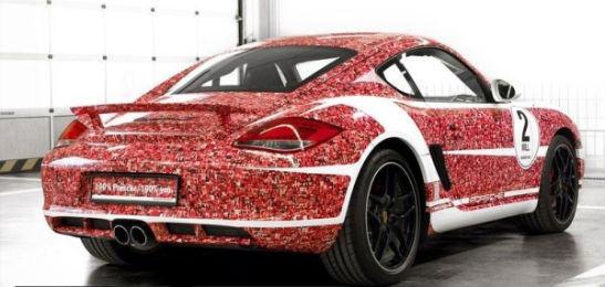 Porsche раскрасили автомобиль портретами подписчиков в Facebook. Изображение № 4.