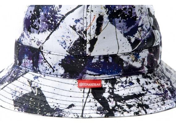 Марка DeMarcoLab и художник Роберт Чен выпустили коллекцию одежды Winter in Moscow. Изображение № 17.