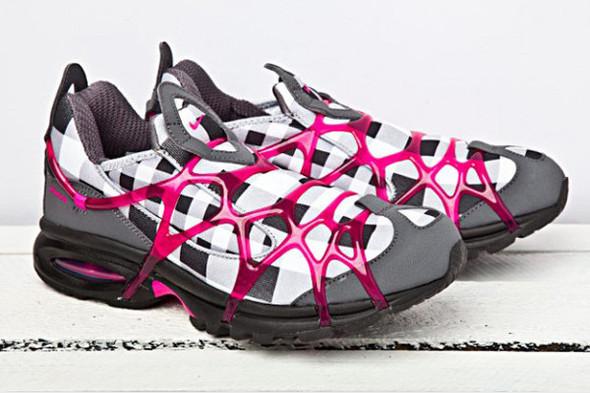 10 самых спорных моделей кроссовок 2011 года. Изображение № 41.