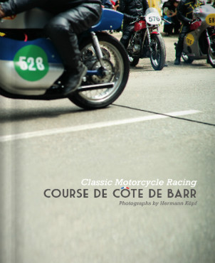 В Германии издали книгу фотографий ежегодной гонки на мотоциклах Barr Hill Race. Изображение № 1.