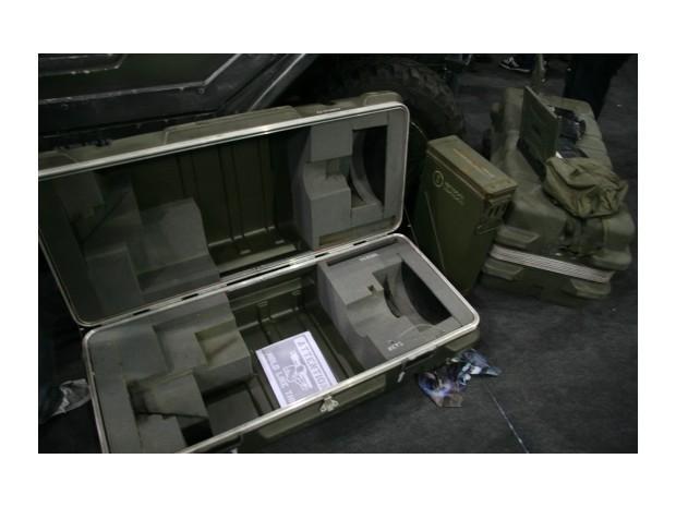 Англичанин превратил Land Rover в бронемобиль из игры Halo. Изображение № 8.