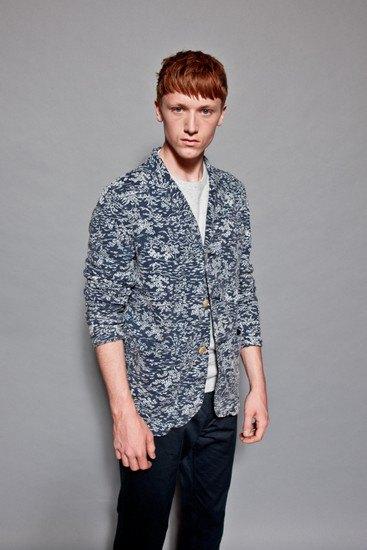 Марка YMC опубликовала лукбук весенней коллекции одежды. Изображение № 1.