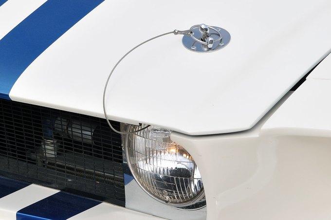 В США на аукционе продали самый дорогой Ford Mustang. Изображение № 11.