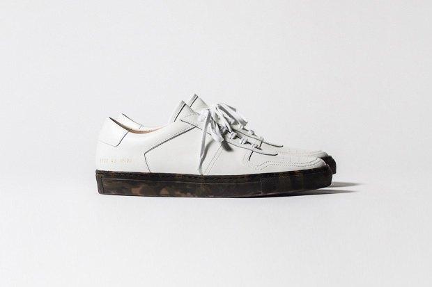 Марка Common Projects опубликовала лукбук осенне-летней коллекции обуви. Изображение № 11.