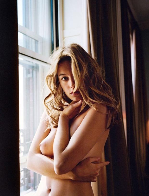 Французская модель Камиль Роу снялась у фотографа Памелы Хэнсон. Изображение № 6.