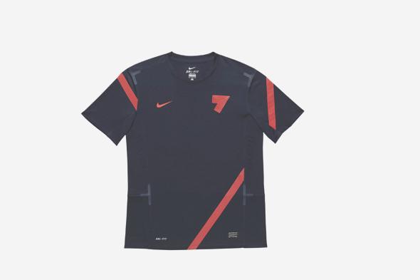 Коллекция одежды Криштиану Роналду и интервью со знаменитым футболистом. Изображение № 7.