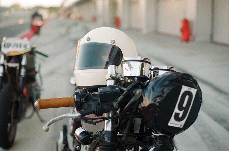 Фоторепортаж с гонки кастомных мотоциклов Nuts & Bolts. Изображение № 21.