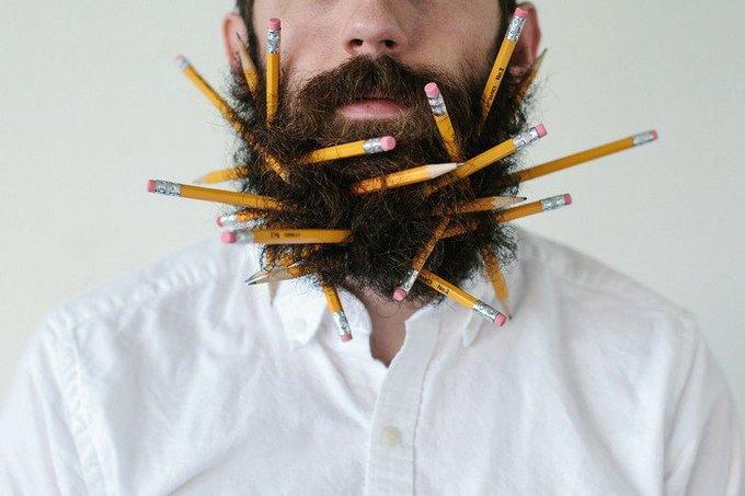 Американец научил свою бороду держать предметы. Изображение № 11.