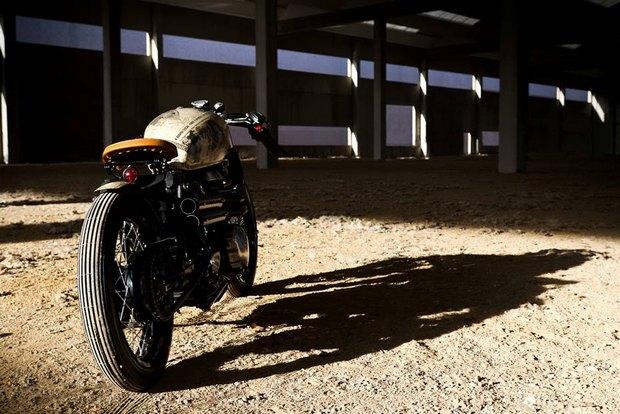 Итальянская мастерская Centro Modo Lodi представила «королевский» кастом модели Triumph Thruxton. Изображение № 19.