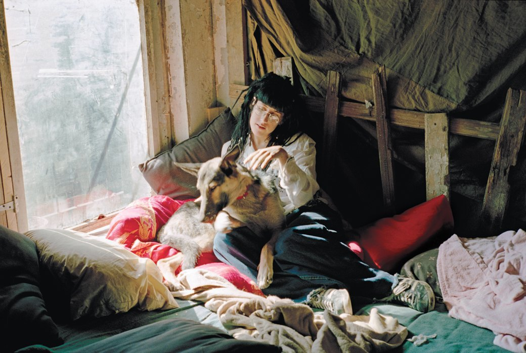 Жизнь нью-йоркских сквотеров в фотопроекте Эш Тэйер. Изображение № 9.