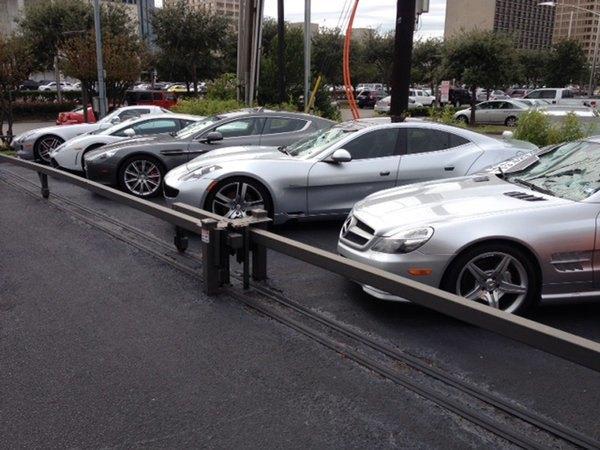 Голый техасец расстрелял автомобилей на 200 тысяч долларов. Изображение № 4.