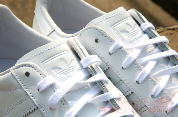 Adidas Originals выпустила кроссовки Superstar 80s с металлическими мысками. Изображение № 4.